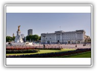 Buckingham_Palace_and_Victoria_Monument