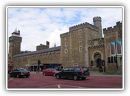 Cardiff_castle_front